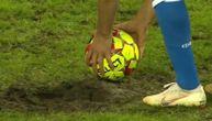 Oranica u Kopenhagenu: Fudbaleri napravili rupu od mesta za penal, pa je bilo nemoguće šutirati!