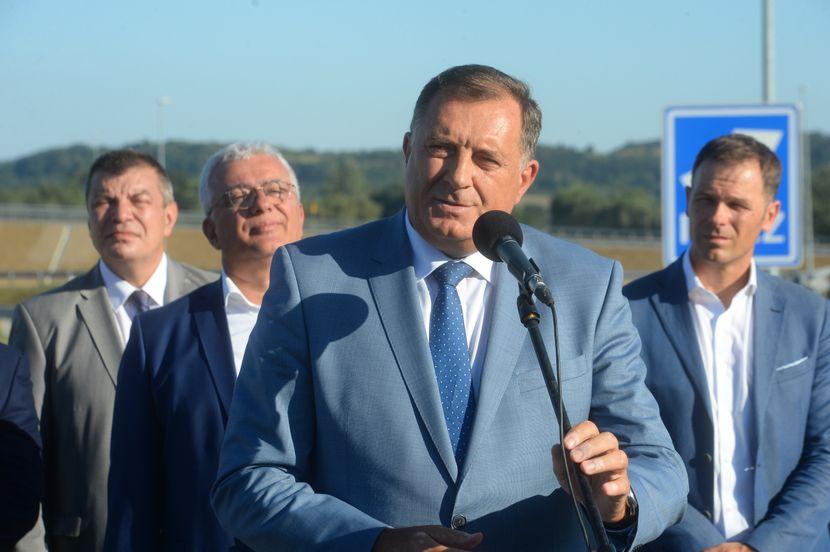 Otvaranje auto-puta Miloš Veliki, Dodik