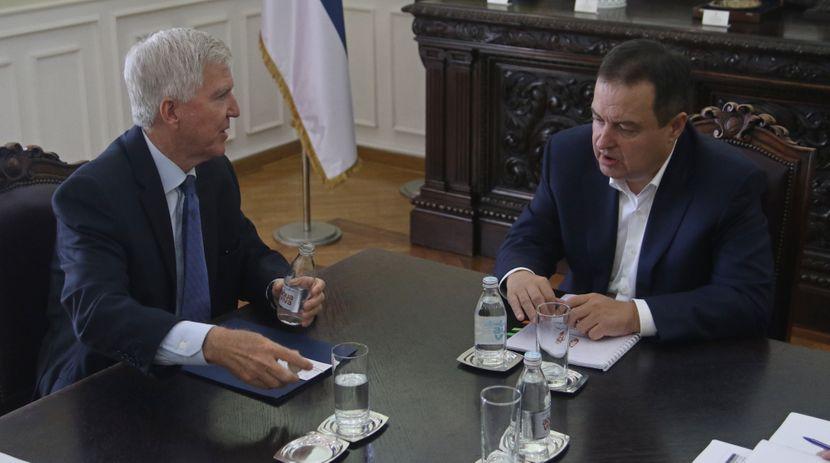 Ivica Dacic, Kajl Skat, Skot