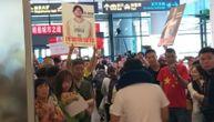 Kinezi euforično dočekali srpske košarkaše, Bobi i Jokić najveće atrakcije (FOTO)