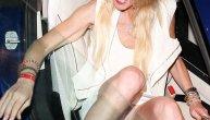Skandal slika holivudske glumice: Pokazala je previše po izlasku iz kola i nije baš uredna (FOTO)