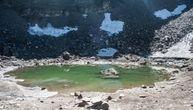 Kada se led sa misterioznog jezera otopi, ostaje samo jezivi prizor (VIDEO)