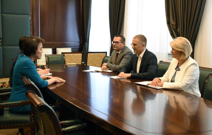 Nebojsa Stefanovic razgovarao je danas sa ambasadorom Narodne Republike Kine Cen Bo