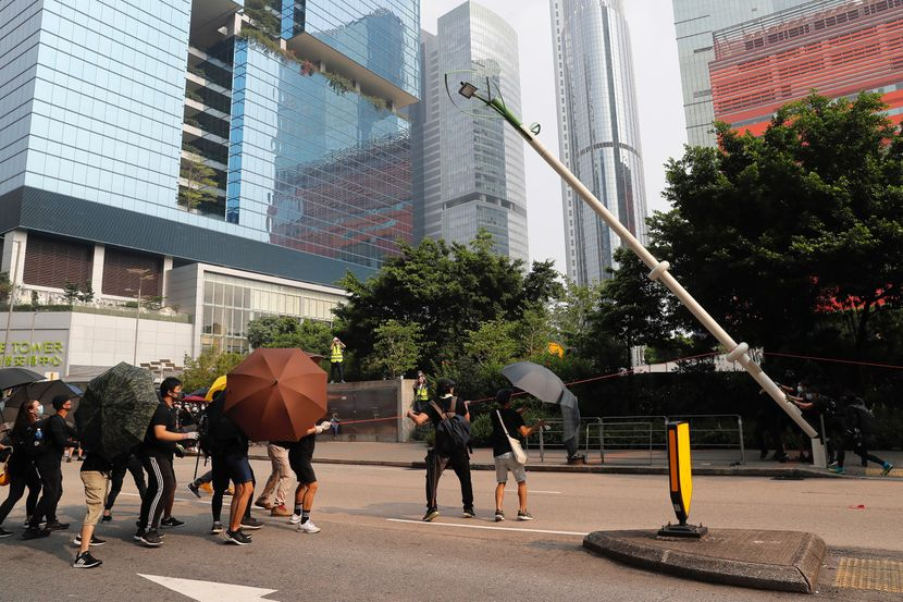 hongkong, protesti, građani, demonstranti, policija, sukob