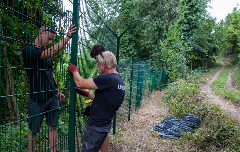 Hrvatska, migranti,  Kombi pun migranata sleteo je u reku Kupu u Hrvatskoj,