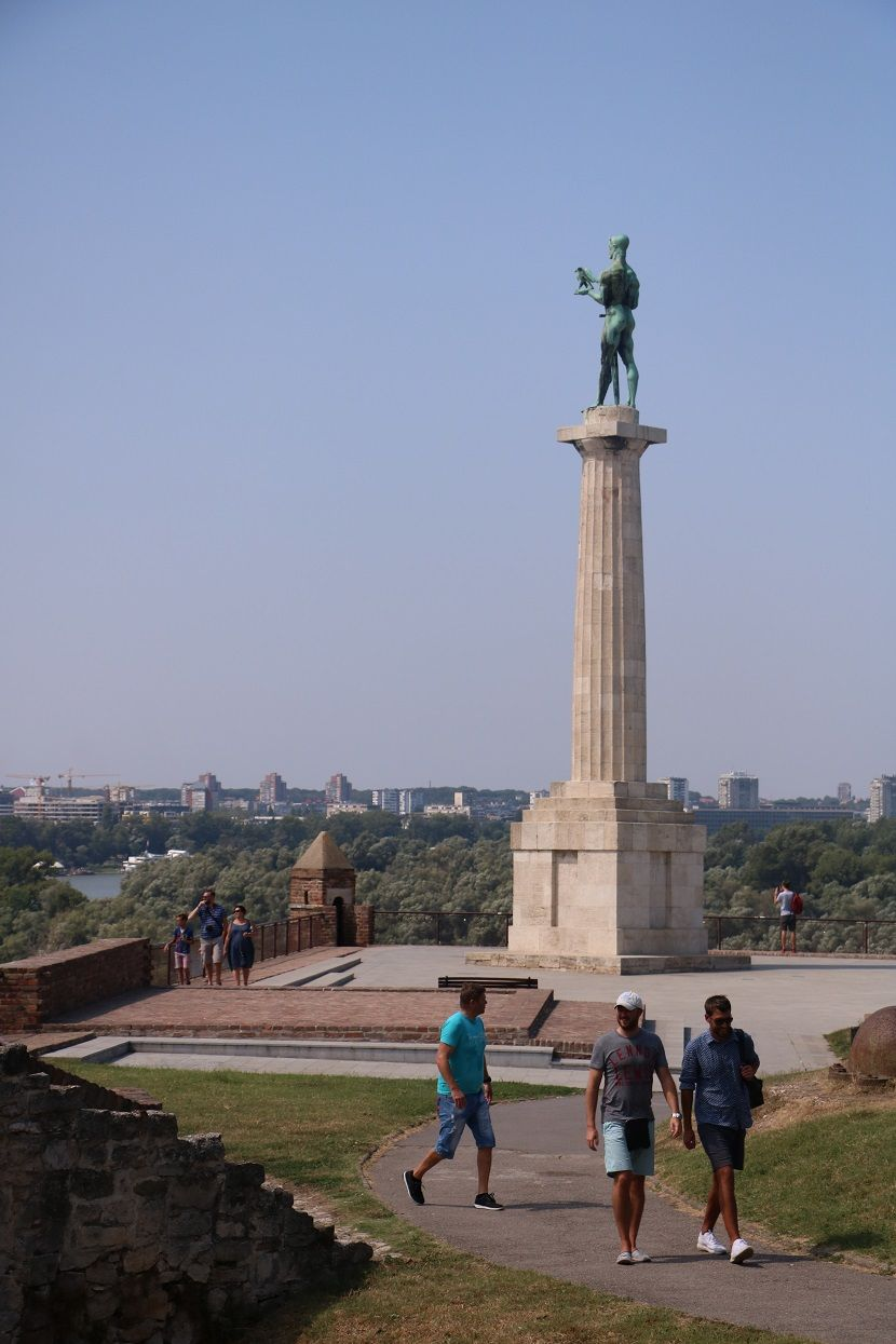 Spomenik pobednik