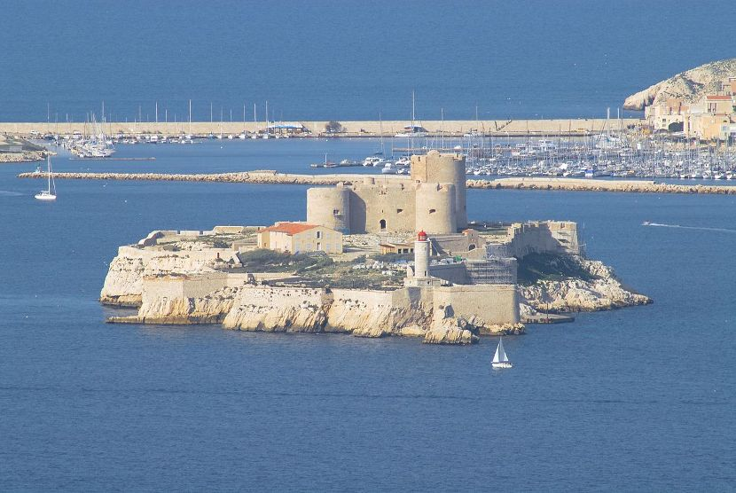Grof Monte Kristo, Aleksandar Dima, Marsej, Marselj, Ifska tvrđava