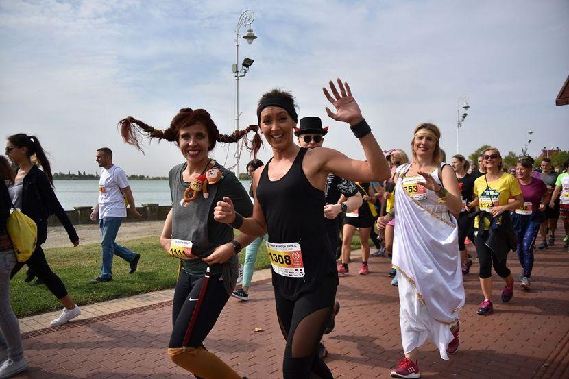 Stotine kostimiranih trkača, photo by Ivana Čutura