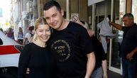 Danijela Karić izašla iz porodilišta, a tek da čujete koliko košta nosiljka u kojoj su izneli sina