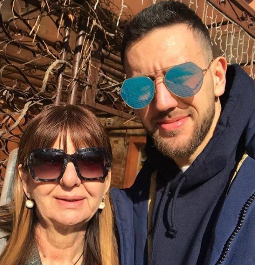 Vasilije Micić, majka