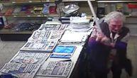 Snimak oduševio svet: Baka (82) istukla pljačkaša u prodavnici - dobio je ozbiljan degenek (VIDEO)