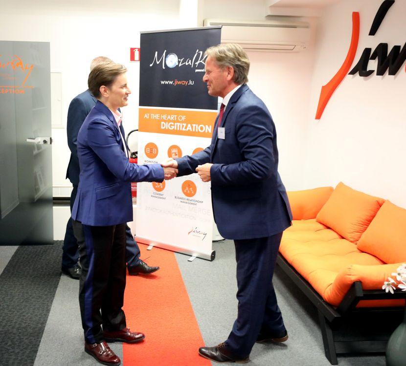 Ana Brnabić, poseta softverskoj firmi JIWAY