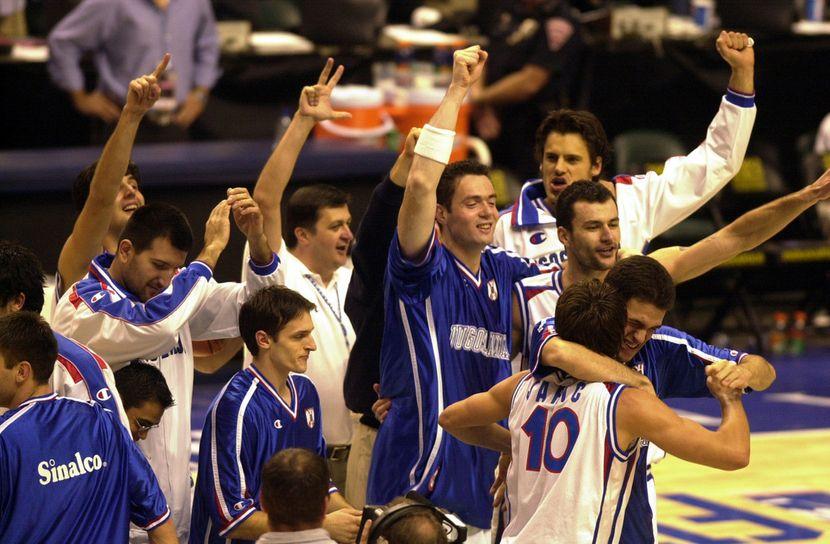 Košarkaška reprezentacija Jugoslavije, 2000, Svetislav Pešić