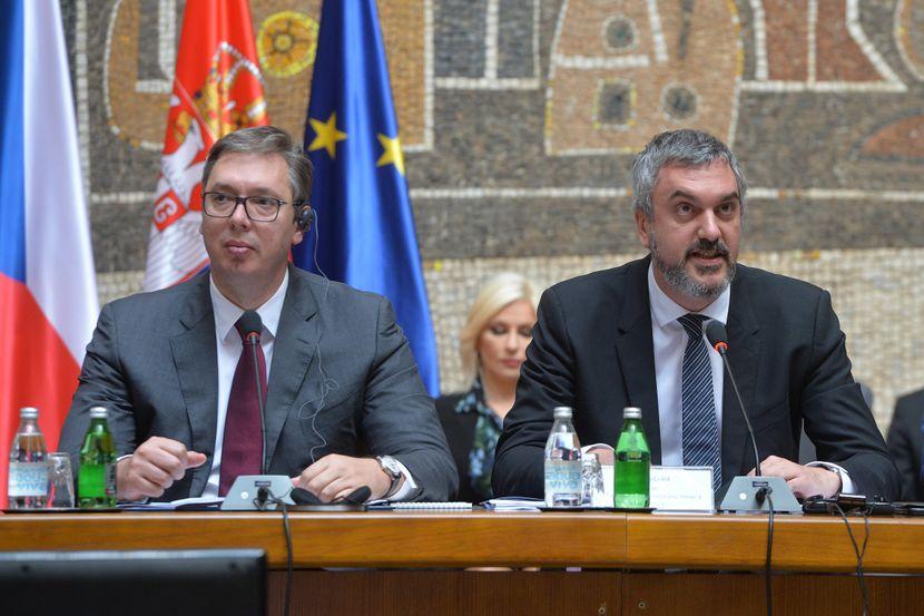 Aleksandar Vučić i Marko Čadež, forum