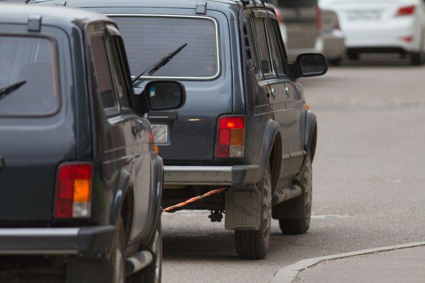 Automobili se vuka, vuca automobila zbog kvara