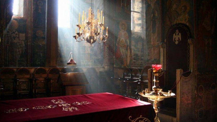 Kivot sa moštima Svetog Kralja Stefana Dečanskog, manastir Visoki Dečani