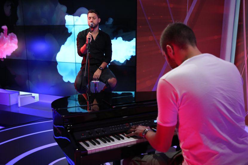 Stefan Živojinović, Love & Live, (NE DIRATI)