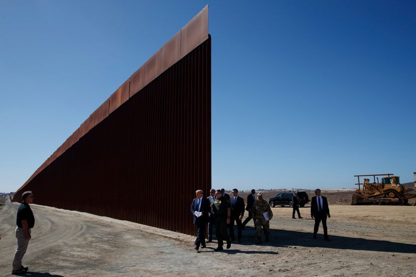 Tramp obišao zid