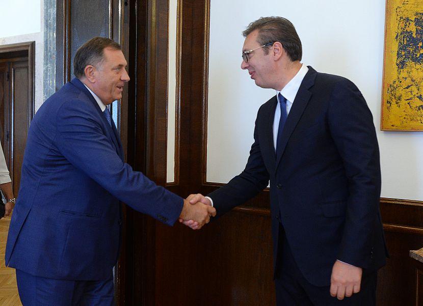 Aleksandar Vučić, predsednik Srbije, Milorad Dodik