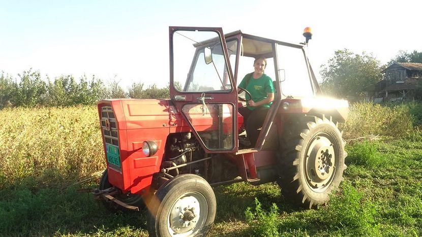 Maja Tomaš traktor vozi od sedme godine