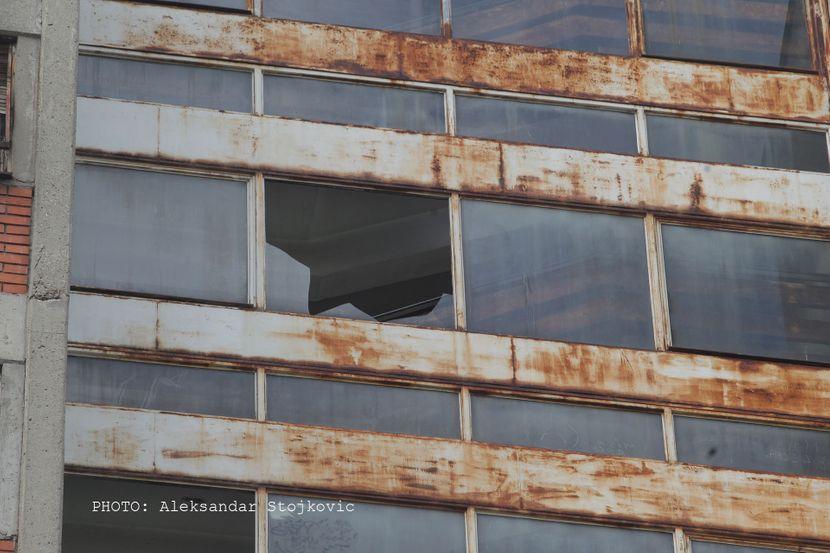 Pancevo devojka pala sa zgrade