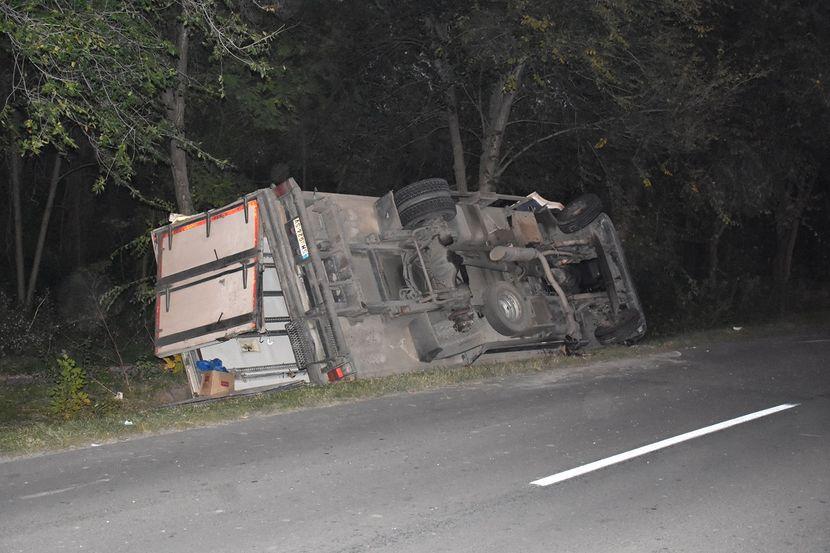 prevrnut kamion na putu Apatin-Prigrevica