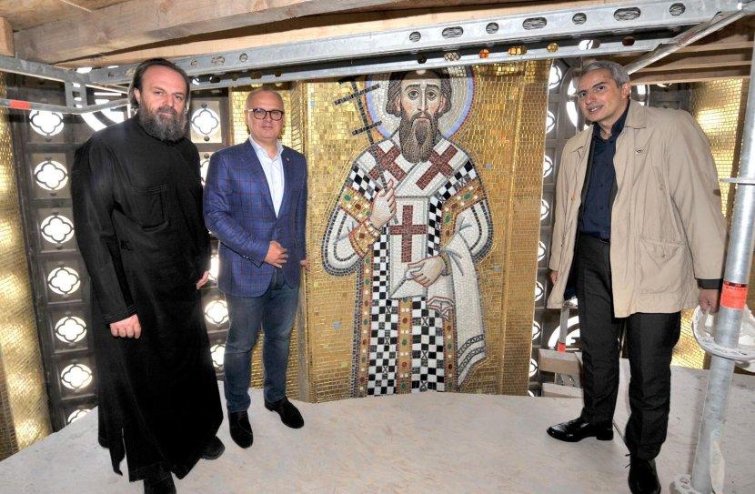 Goran Vesić, obišao Hram Svetog Save