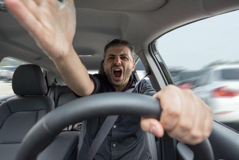Vozac se svadja, svadjanje, automobil, svađanje, dranje