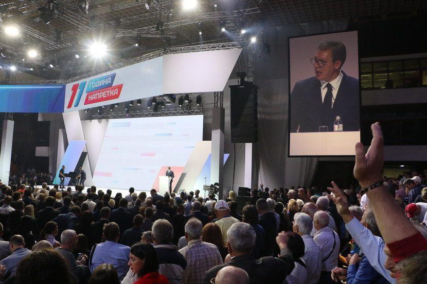 Lider SNS-a Aleksandar Vučić u Novom Sadu na proslavi 11 godina od osnivanja stranke