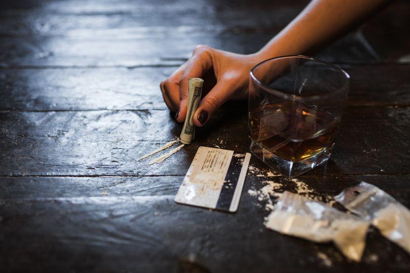 Droga, kokain, alkohol