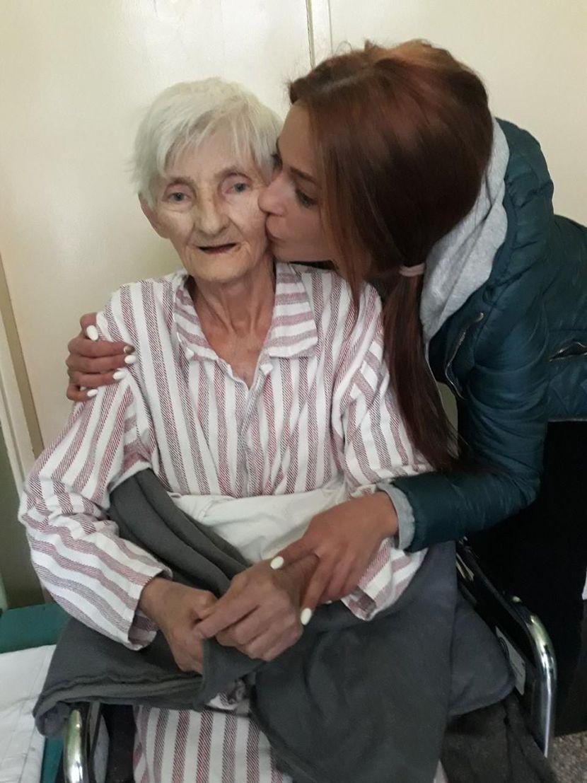 Jelena Pešić, baka, braca