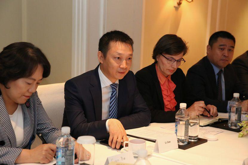 Ana Brnabić, Kina, sastanak Huawei