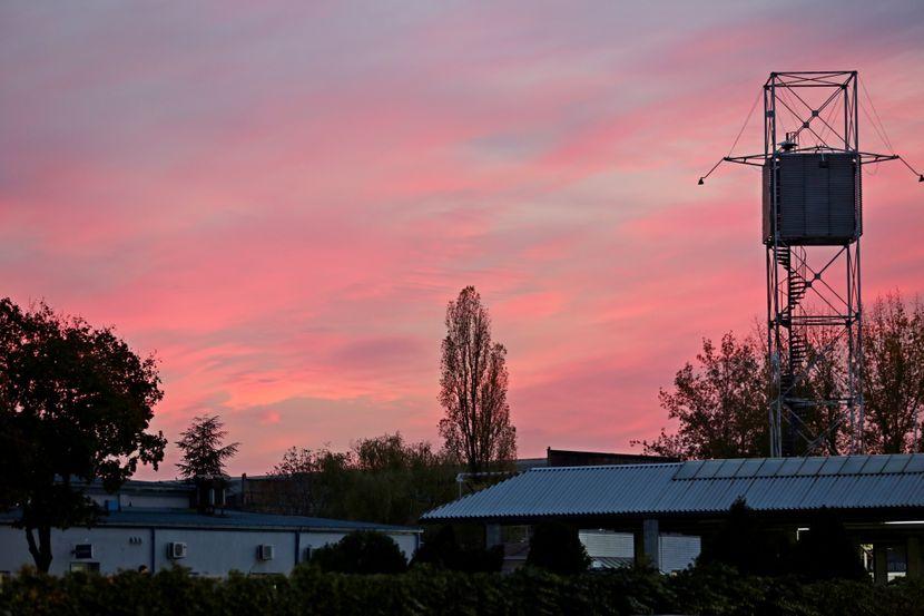 Nebo u Beogradu, Zalazak Sunca