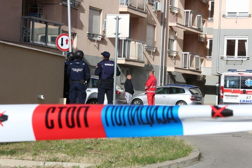 """Image result for Žena policajca u čarapama pobegla od njega, komšije sve videle: """"Bato je naša ljudina od čoveka!"""""""