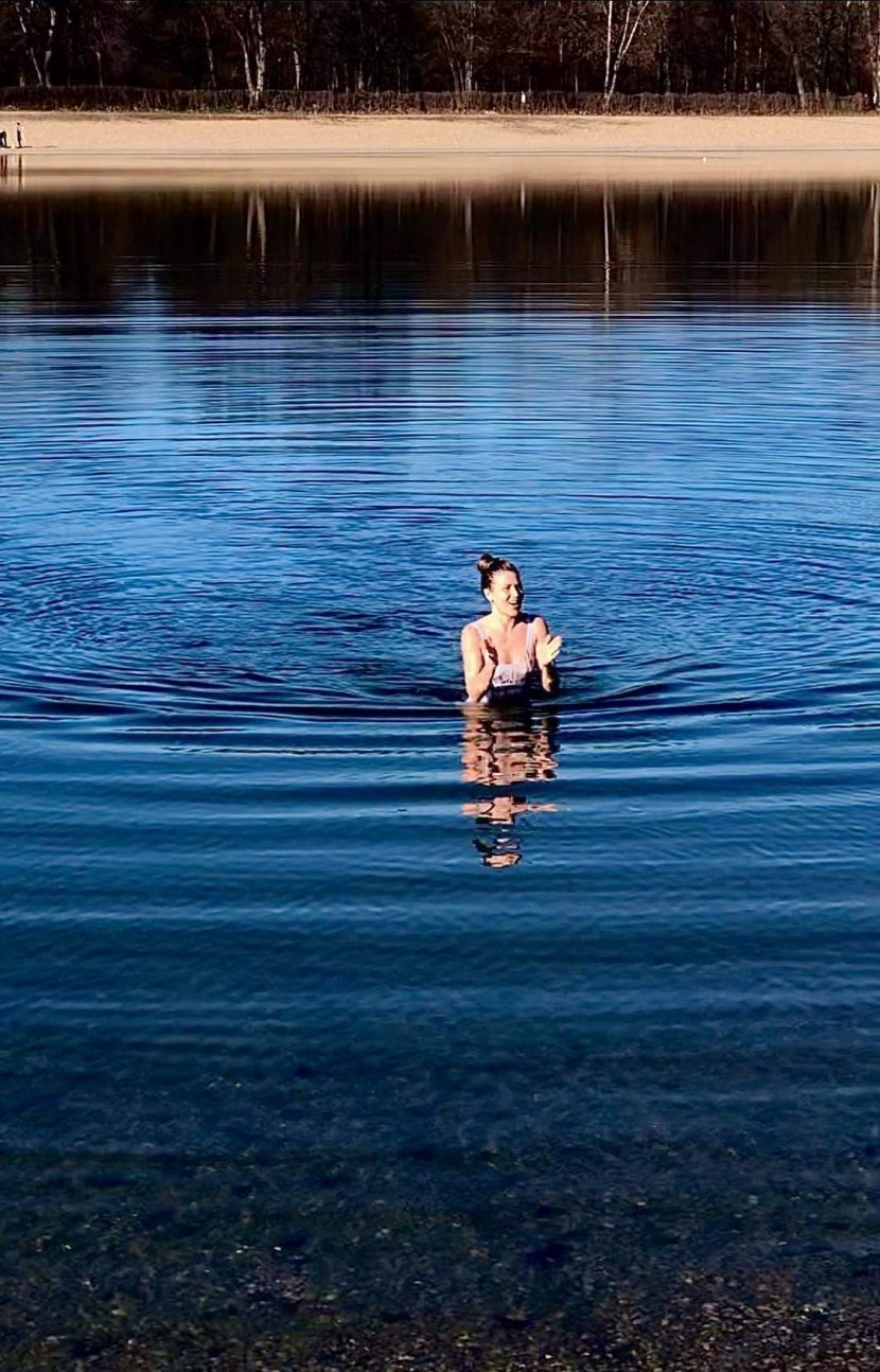 Image result for Slike sa Ade izazvale totalnu pometnju: Mladić i devojka se kupaju i sunčaju, a februar je tek počeo