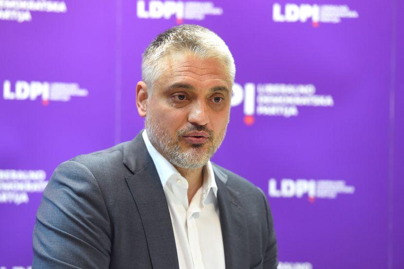 Čedomir Jovanović se oglasio prvi put posle navodnog napada teniskim  reketom - Telegraf.rs