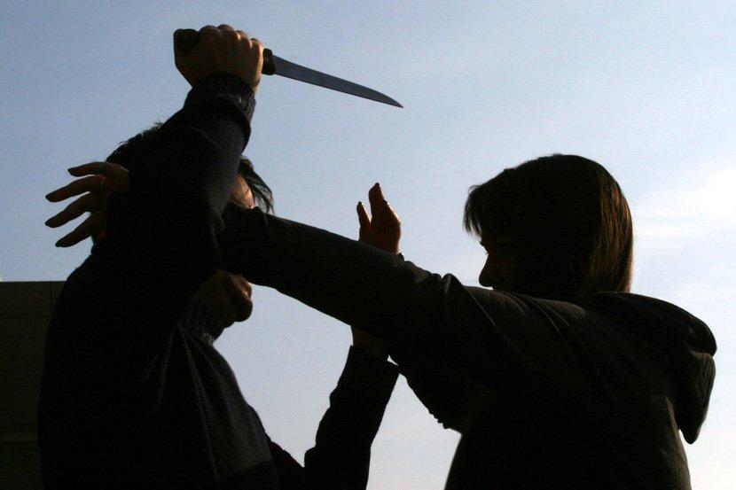 Nož, manijak, napad nožem, nasilje nad ženama, tuča, obračun