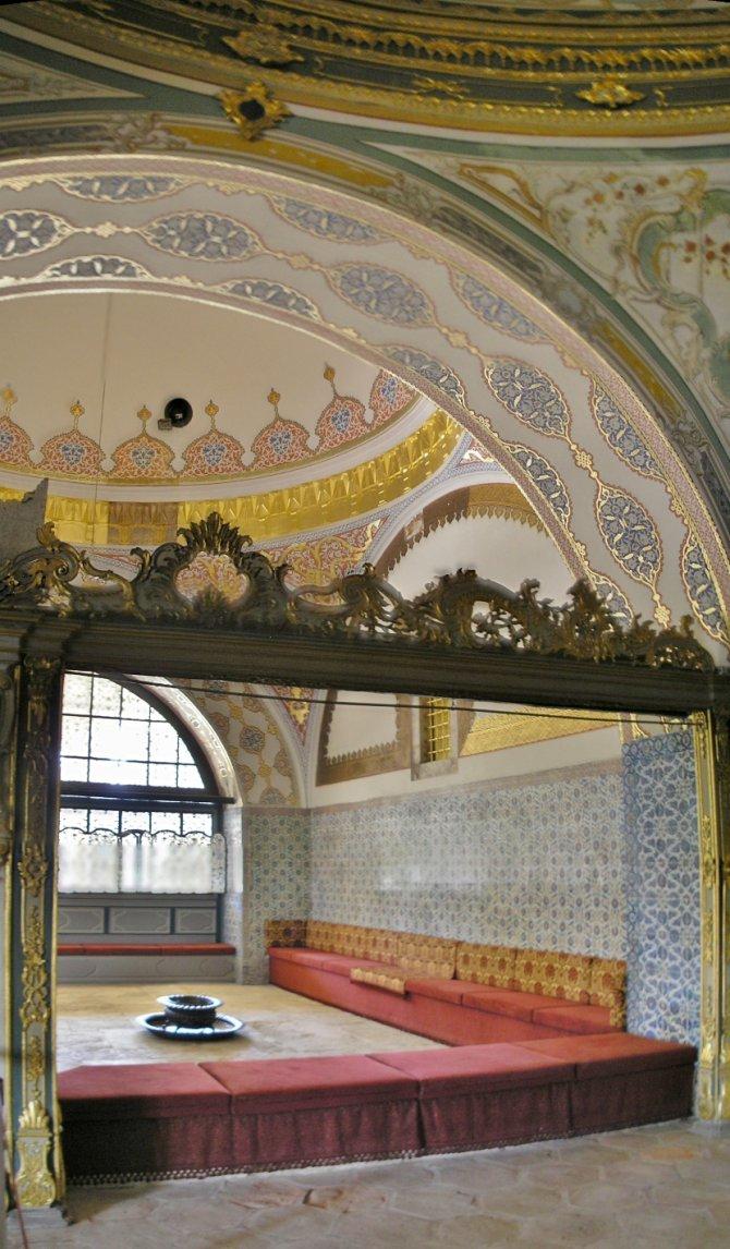 Dvorana imperijalnog saveta gde su veziri sedeli sa sultanom. Foto: Wikimedia Commons/Gryffindor