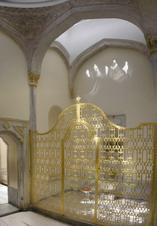 Pozlaćeni kavez kupatila u kome se kupala sultanija-majka u palati Topkapi. Samo je ona imala ključ, i bio je kod nje kako niko ne bi mogao da je ubije. Foto: Wikimedia Commons/Gryffindor