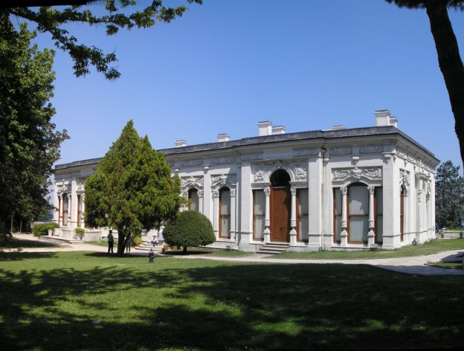Veliki paviljon u četvrtom dvorištu palate Topkapi. Foto: Wikimedia Commons/Gryffindor