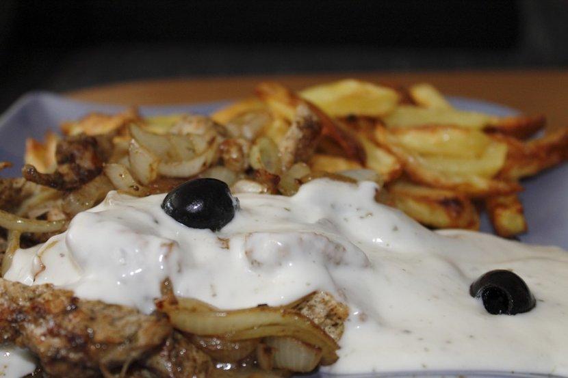 TZATZIKI - omiljeni grčki sos u kućnoj verziji | Telegraf