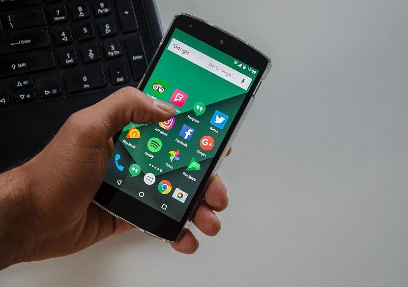 Android, Smartfon, aplikacija, aplikacije, Facebook, Instagram, Twitter