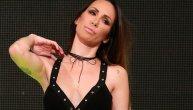 BEZ FOTOŠOPA: Nikolija objavila slike u seksi bikiniju, ponosno pokazala strije i oduševila fanove! (FOTO)