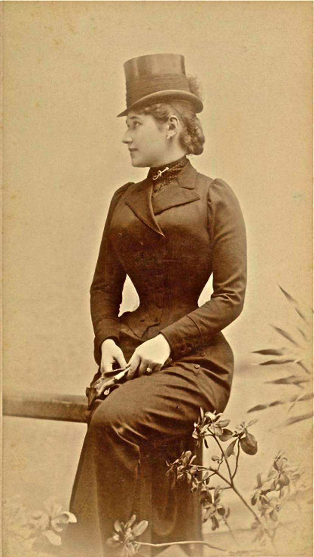 Lenka Dunđerski u uniformi za jahanje Foto: Wikipedia/Тајга