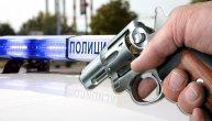 Igrao se pištoljem, kada je on opalio i ranio ga u glavu: Novosadski lekari se bore za život tinejdžera