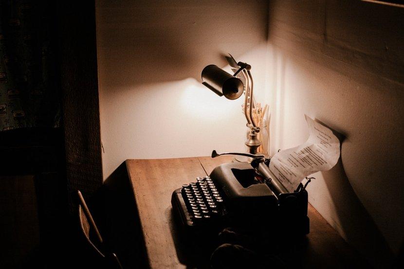 Novinar, novine, kucaca masina, pisaca, pisanje, kucanje, novinarstvo, reporter, Typewriter, vintage, pisac, stara