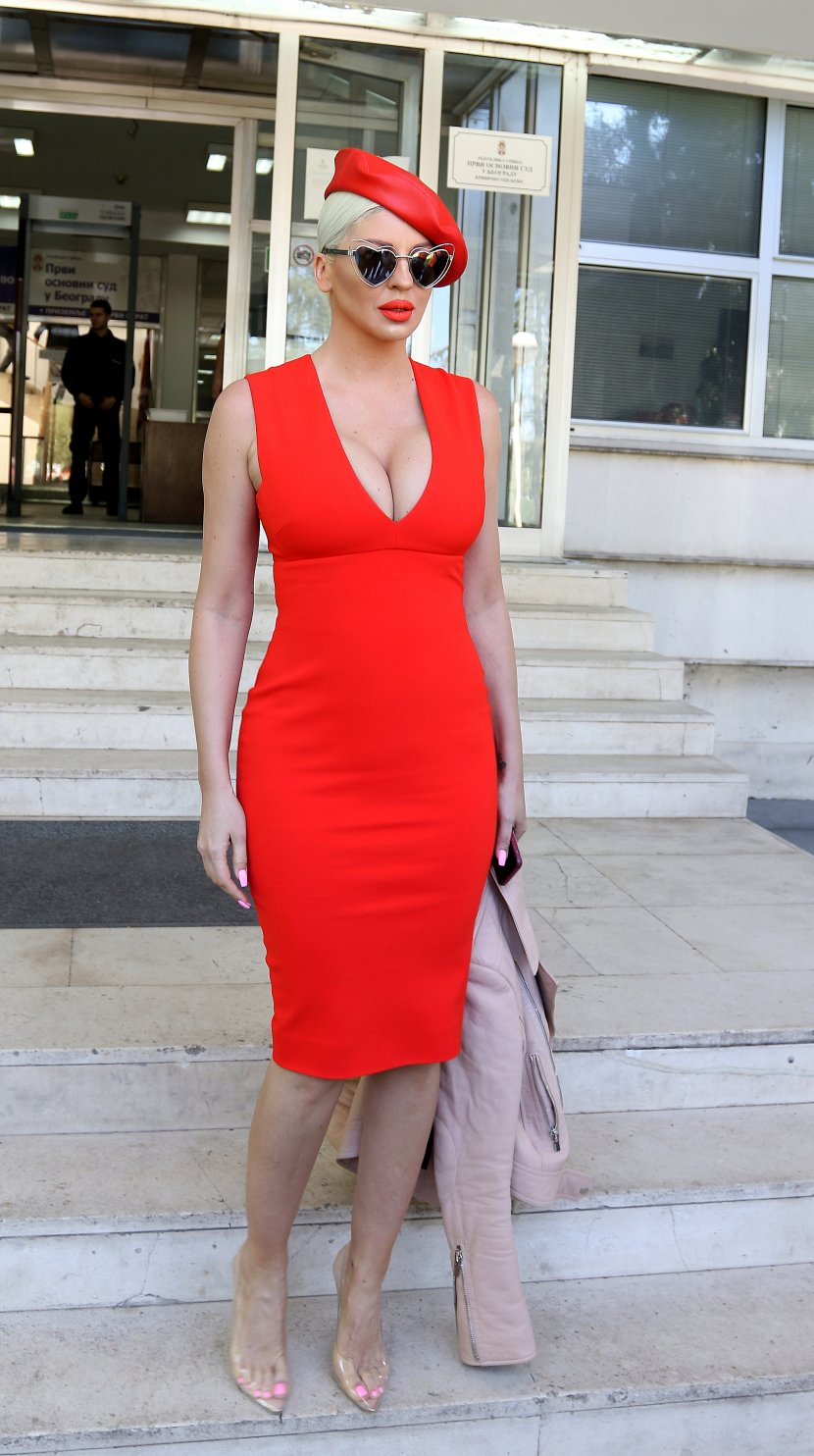 Jelena Karleuša suđenje, crvena haljina