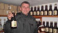 Zoran je pokrenuo svoju veselu mašinu i napravio čudo: Ovo piće je jedinstveno u svetu i ima ga samo u Bogatiću (FOTO)