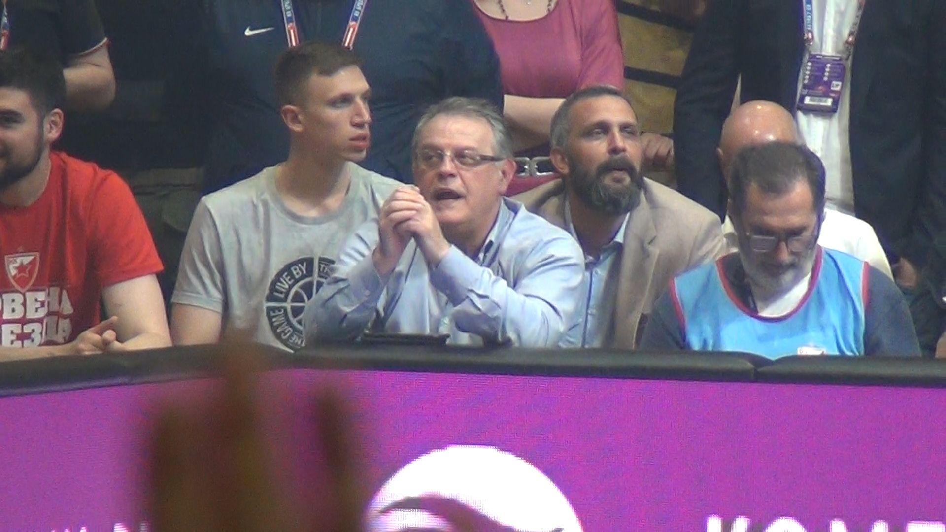 Čovića pukle emocije kad je čuo Vidovdan, pa zapevao: Ko da mi otme iz moje duše Kosovo?! (VIDEO)