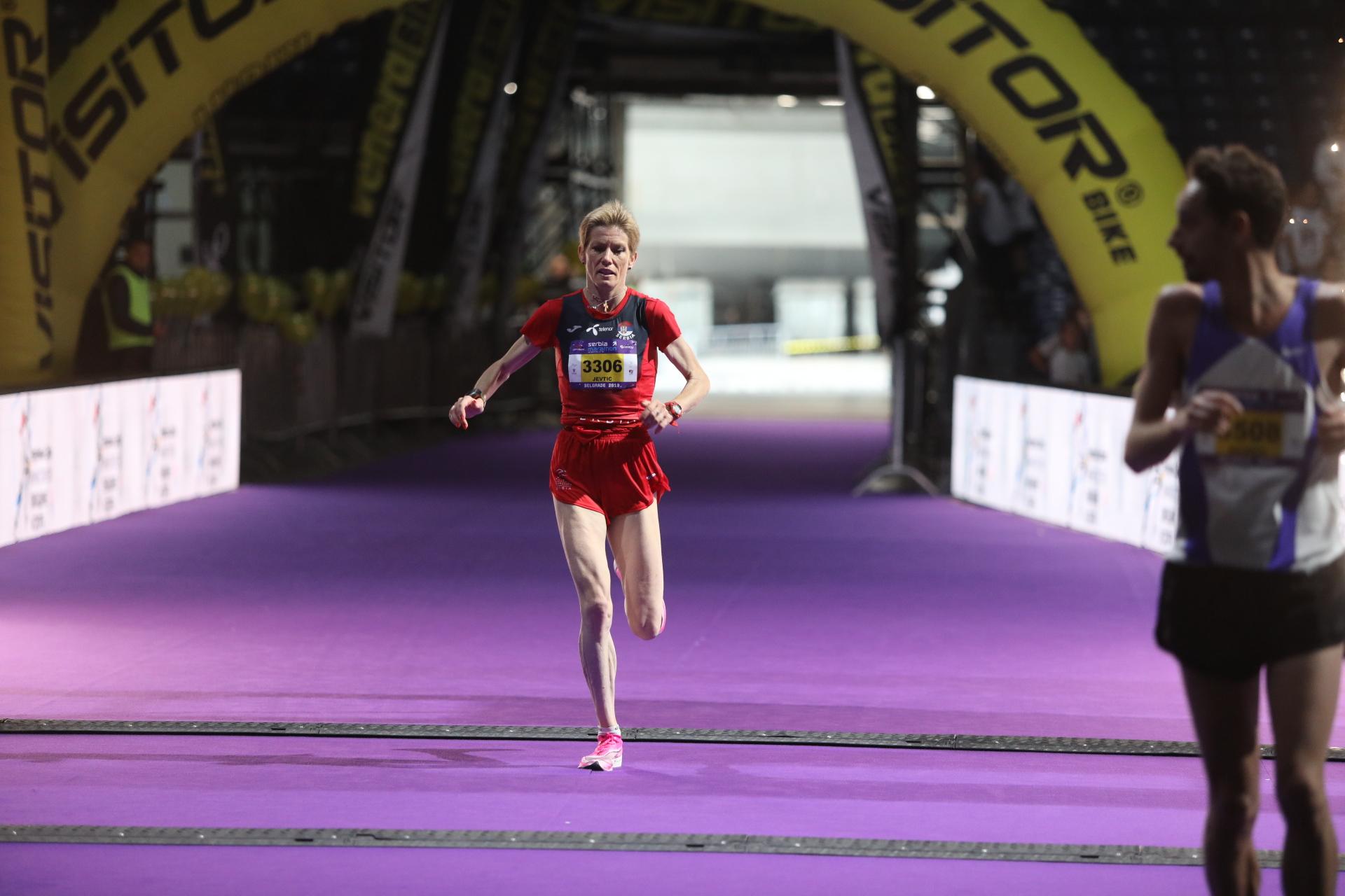 Počeo prvi Comtrade Serbia Marathon: Imamo pobednike polumaratona, Olivera Jevtić završila druga!